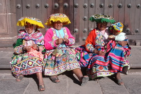 Local women in Cusco. Daily City tours in Cuzco Peru.
