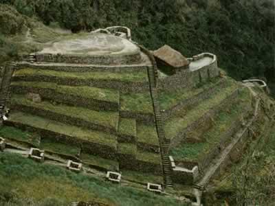 Ruinas de Phuyupatamarca en el Camino Inca