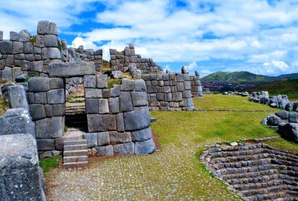 Visita la majestuosa Fortaleza de Sacsayhuman en Cusco - NO te los puedes perder