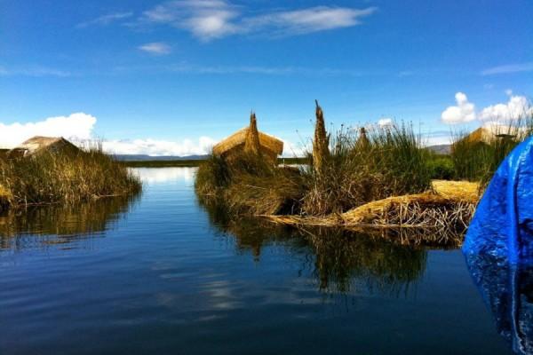 Lago Titicaca, Isla de Los Uros, destino popular de Perú